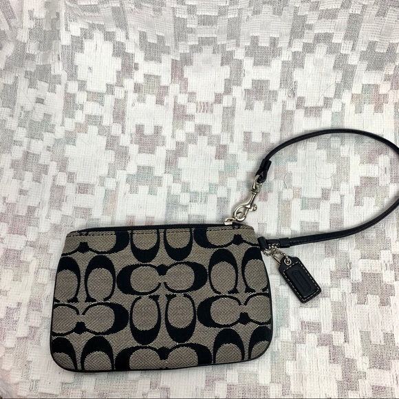 Coach Classic Logo Wristlet Wallet Pouch Small